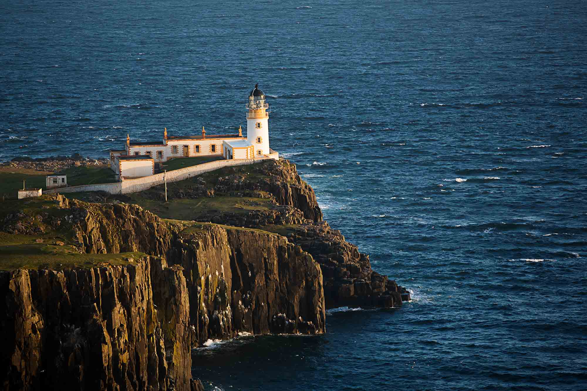 Neist Point lighthouse. © ULLI MAIER & NISA MAIER