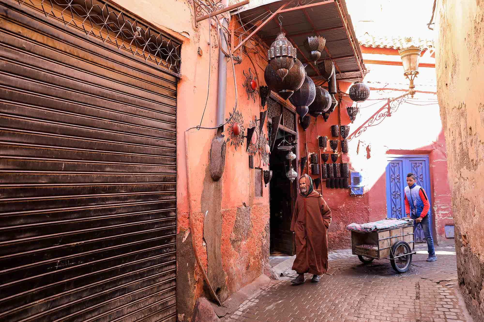 One of the favourite things to do in Marrakech is to stroll through the ancient medina and the souks that are like a maze hoping to get lost for a while before finding your way home again. © ULLI MAIER & NISA MAIER