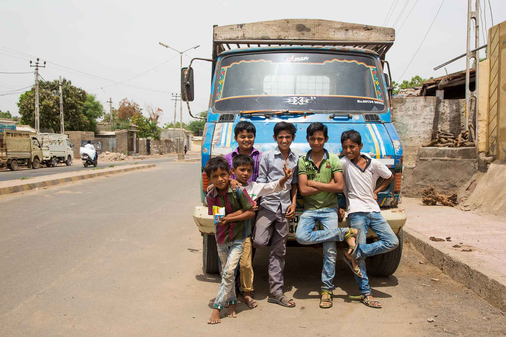 group-of-boys-bhuj-gurajat-india