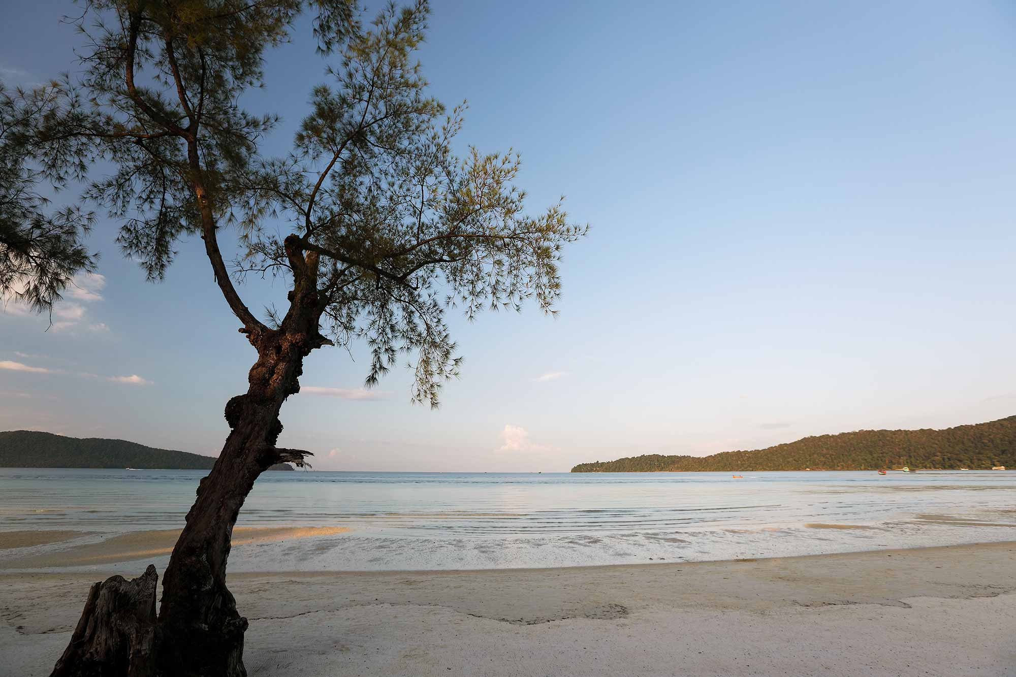 Koh Rong Samloem is Cambodia's own paradise island and a dream for everyone who has fantasised about tropical beach-feeling, yet still needs some sort of contact to the outer world. © ULLI MAIER & NISA MAIER