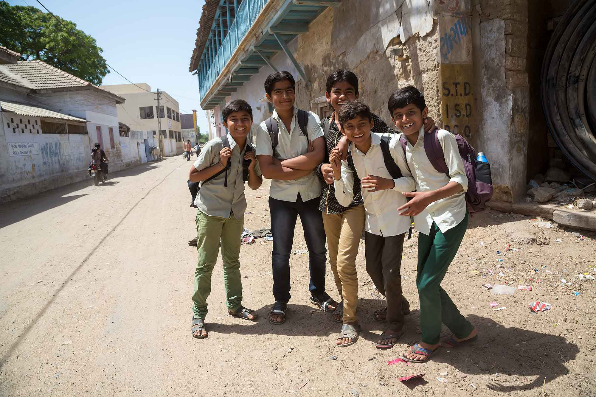 school-boys-buhj-gujarat-india