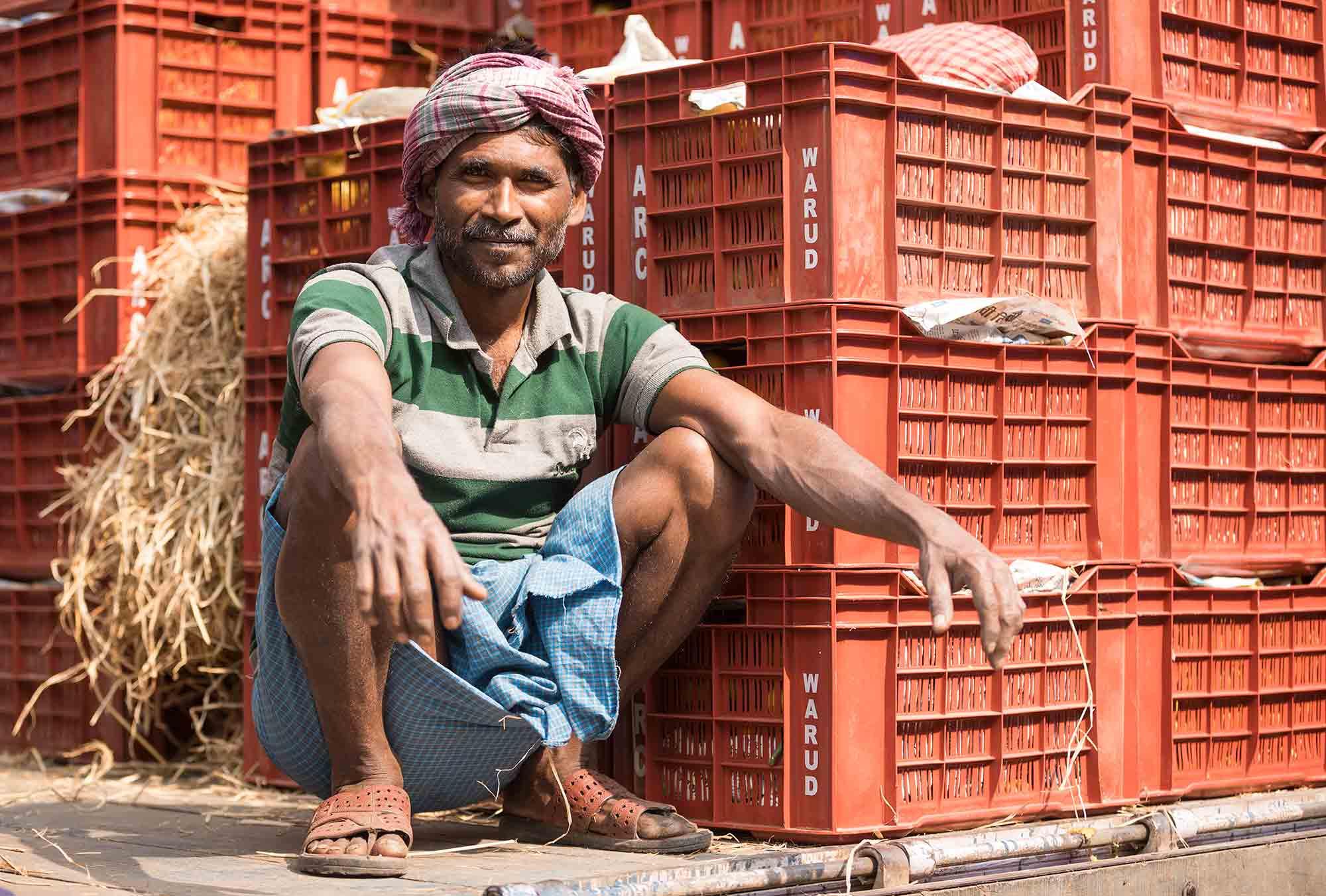 Mechhua-Fruit-Market-man-kolkata-india