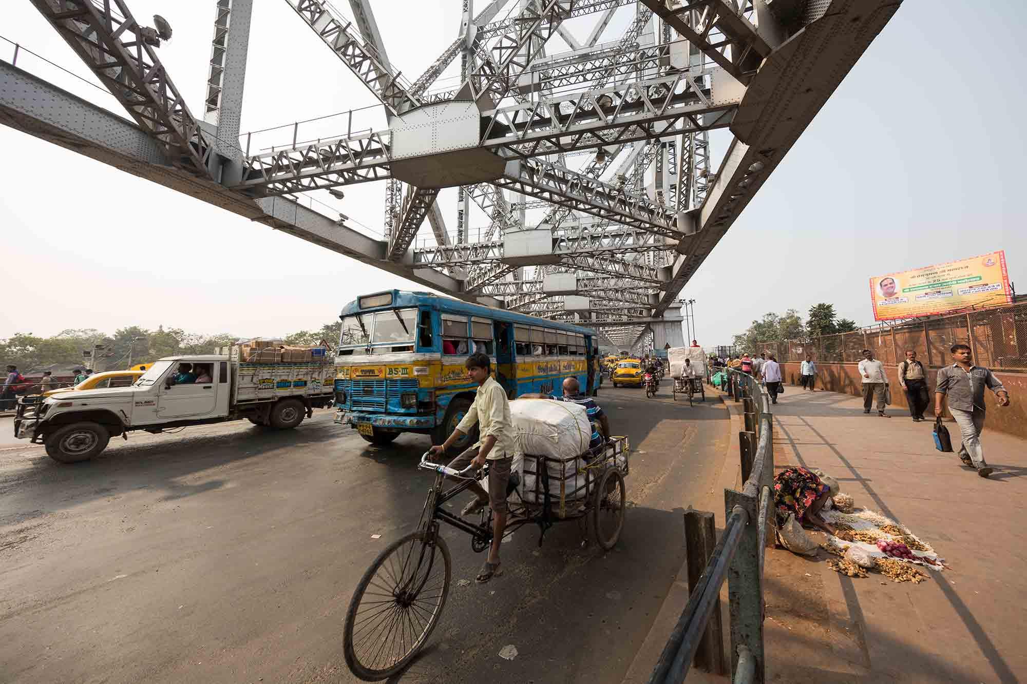 howrah-bridge-kolkata-india