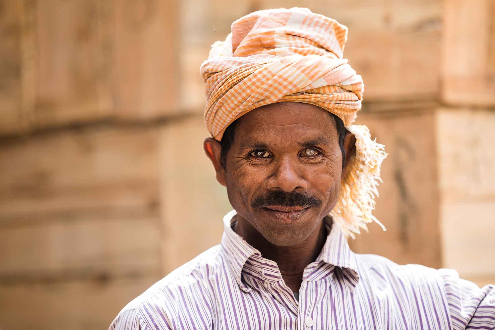 portrait-Mechhua-Fruit-Market-blind-worker-kolkata-india