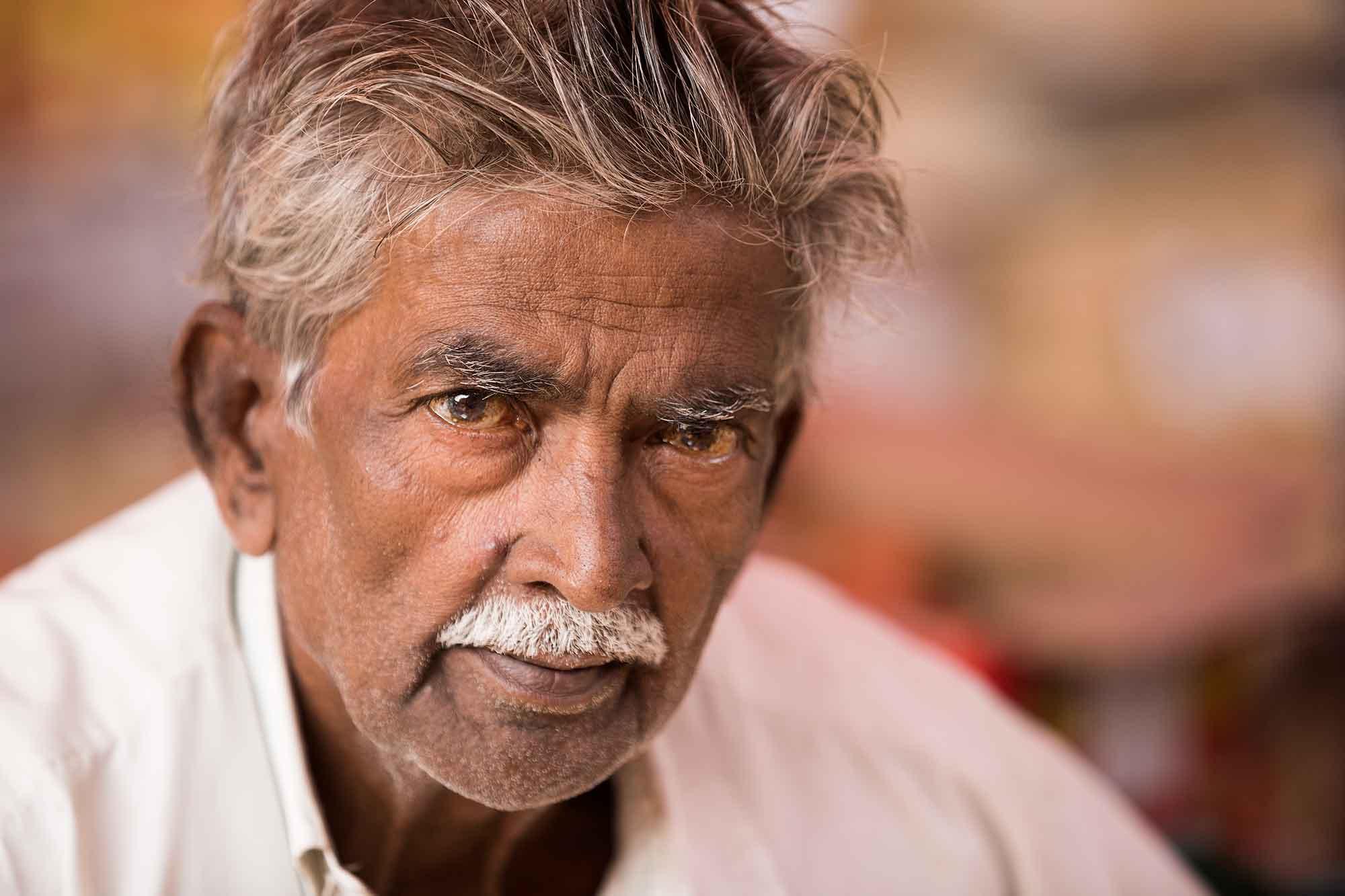 portrait-Mechhua-Fruit-Market-man-kolkata-india