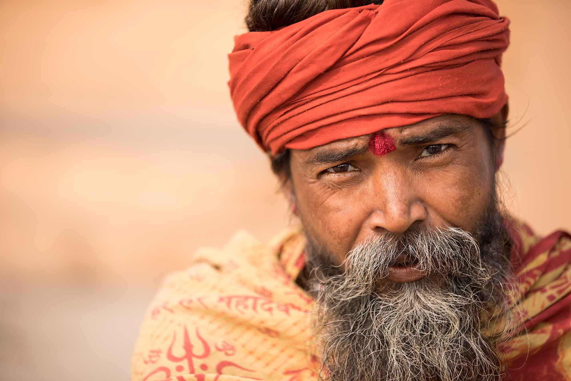 sadhu-portrait-varanasi-india-1