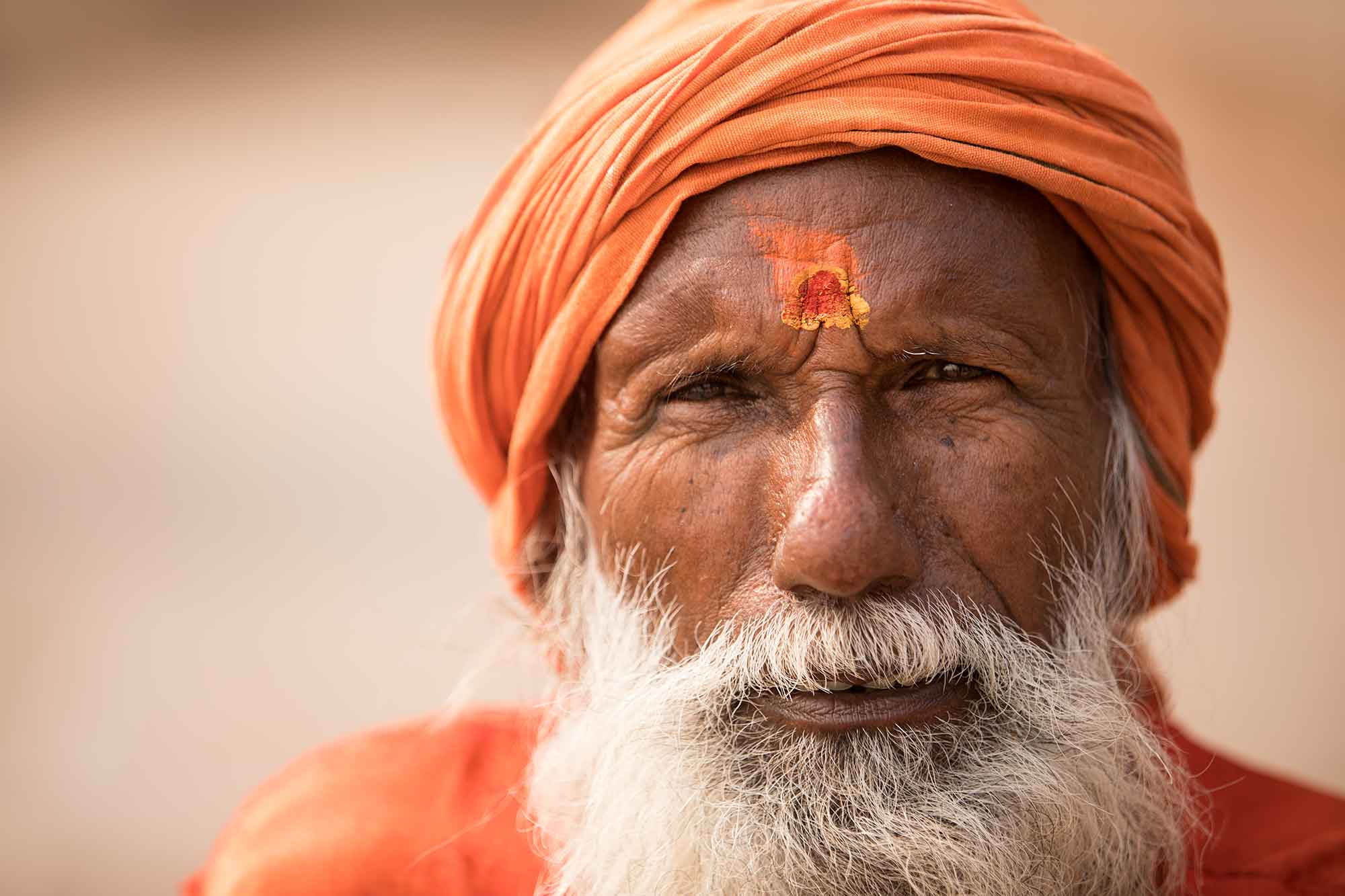 sadhu-portrait-varanasi-india
