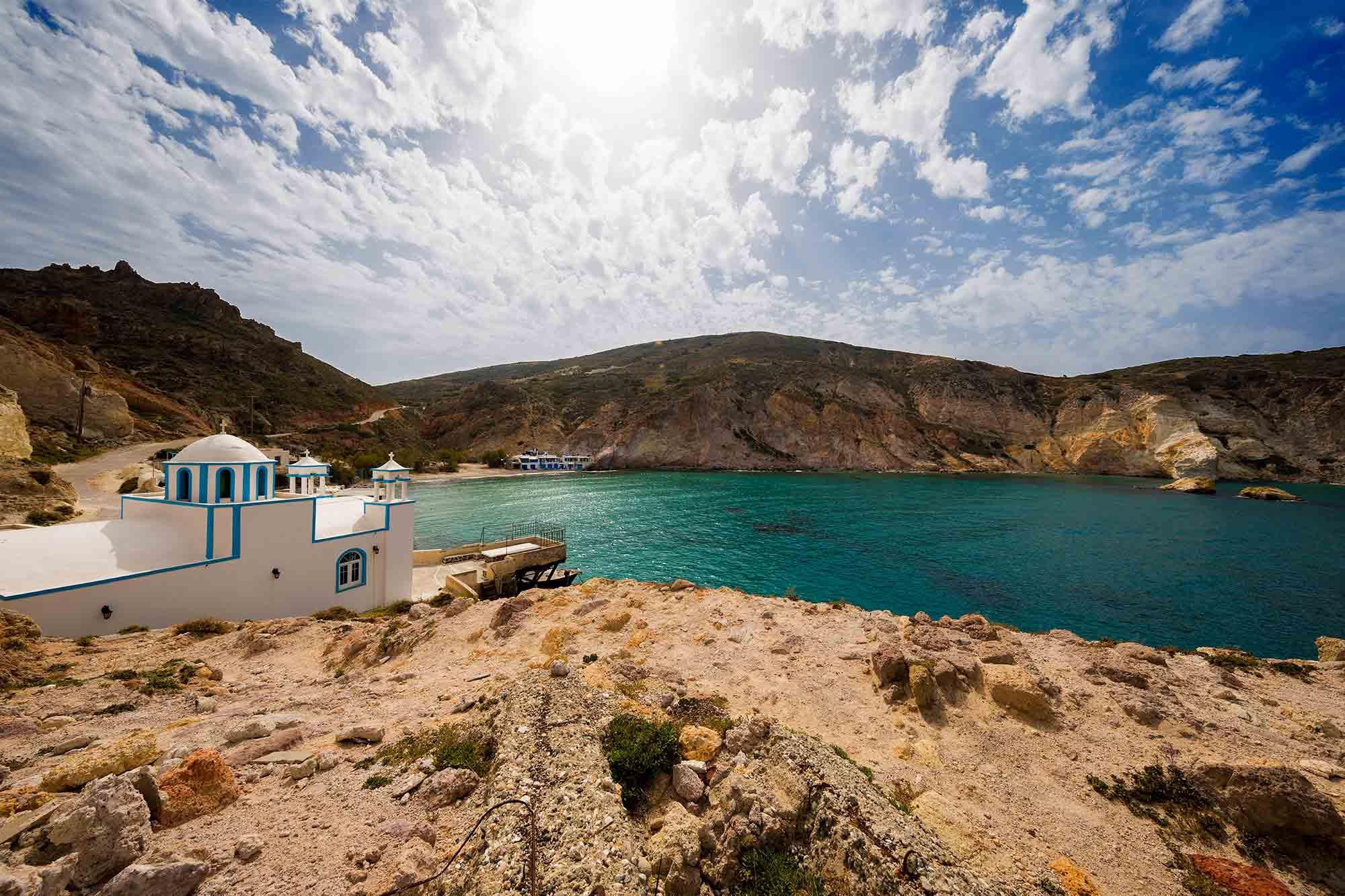 Firopotamos beach on Milos island. © ULLI MAIER & NISA MAIER
