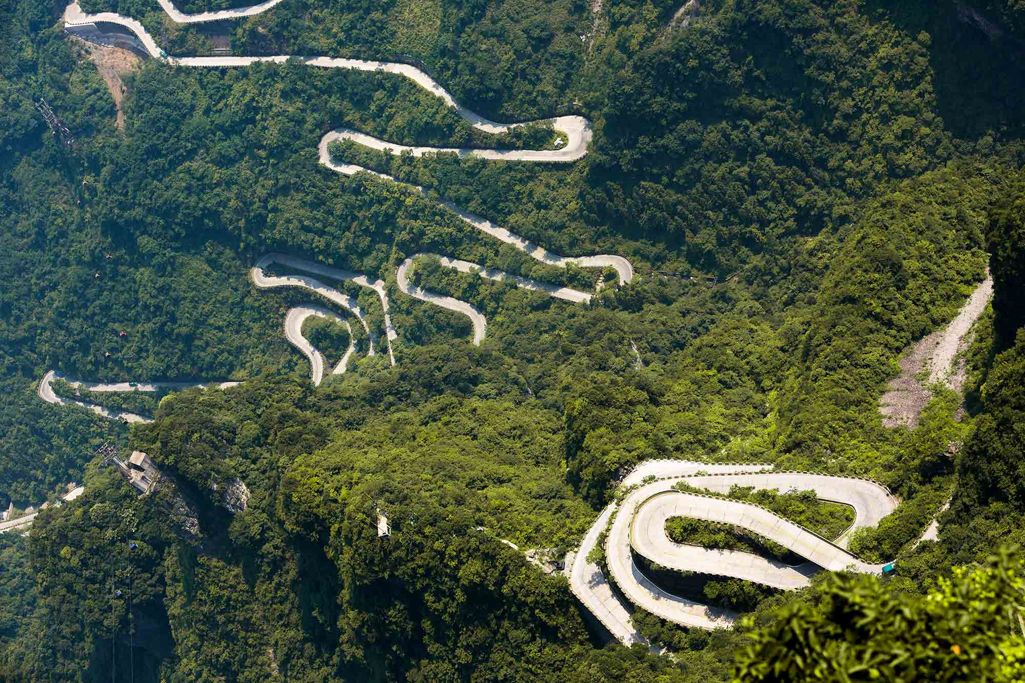 The Mountain Road in the Tianmen National Park in Zhangjiajie was one of the most impressive roads we've ever travelled on. We took the tram up and unfortunately, you're not allowed to walk along the road, so getting back down we took the bus. © ULLI MAIER & NISA MAIER
